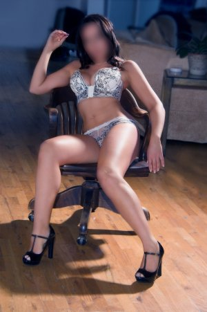 Dalenda escort in Winston-Salem NC and nuru massage