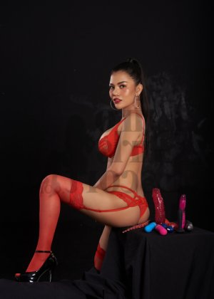 Rufina escorts in Langley Park & thai massage