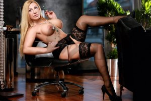 Annik erotic massage in St. Andrews