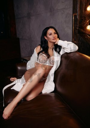 Ajda live escort, thai massage