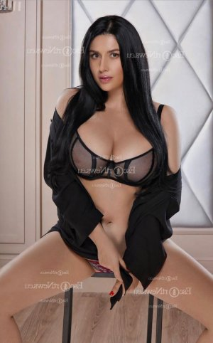 Stela tantra massage in Candelaria PR and escort girls
