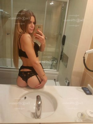 Marie-etienne tantra massage in Kendall West