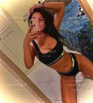 Rosemarie escort girl in Boone NC and tantra massage