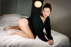 Anka live escorts in Caledonia WI and erotic massage