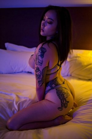 Chanelle thai massage in Wahpeton North Dakota & live escort