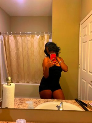 Chedlia nuru massage in Point Pleasant New Jersey & escort